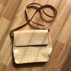📣Arcadia nude/tan patent leather cross-body purse